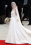 kate's wedding dress by sarah burton for alexander mcqueen