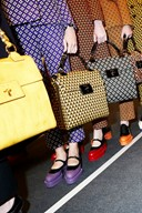 BAG CLASH AT PRADA FALL 2012 SHOW
