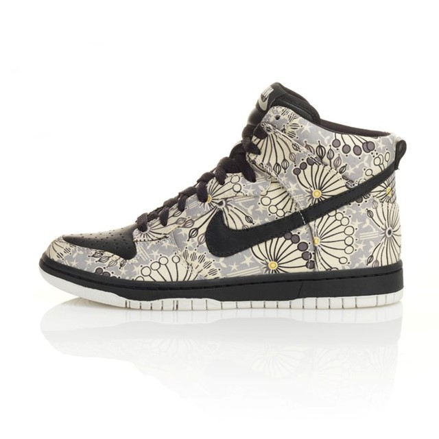 Nike X Liberty exclusive print Dunk High Top's