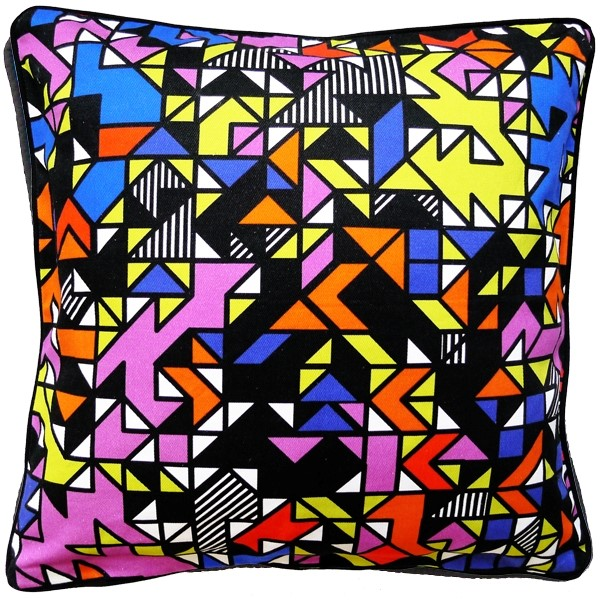 ++++ WALALA TriaNGLE CUSHION ++++