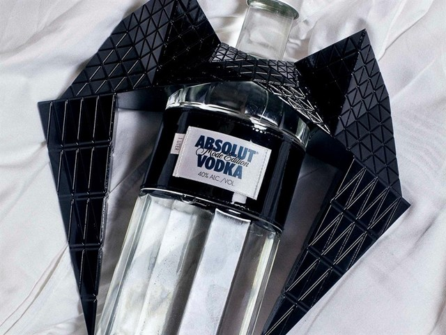 ABSOLUT MODE EDITION WITH GARETH PUGH - REFLECTIONS OF FASHION