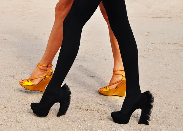 Yves Saint Laurent, Palais Mohawk Suede Pumps