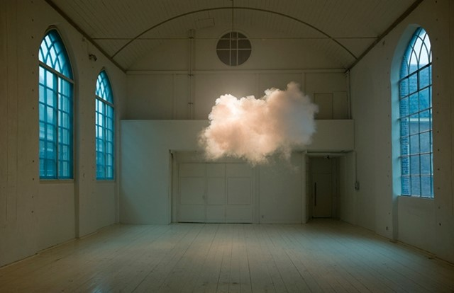 Berndnaut Smilde's cloud in a room