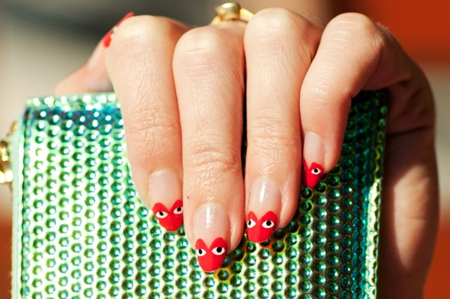 COMME des GARÇONS Play-inspired nails