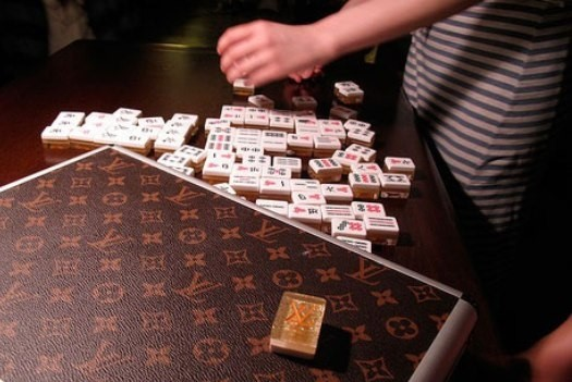 LOUIS VUITTON LUXURY GAME CASE