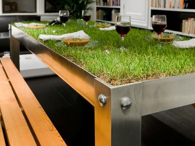 picNYC Table by Haiko Cornellisen Architects