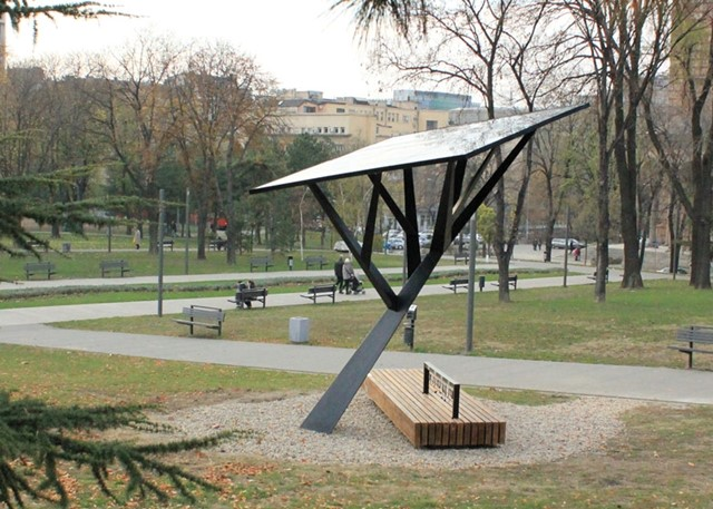 BLACK TREE BY MILOŠ MILIVOJEVIC FOR STRAWBERRY ENERGY - SOLAR-POWERED MOBILE PHONE STATION