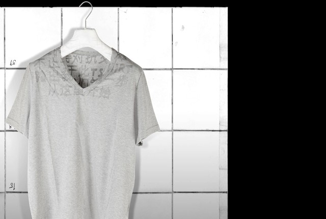 maison martin margiela limited edition chinese aids t-shirt