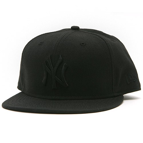 New York Yankees Basic Black on Black 59FIFTY Fitted Cap