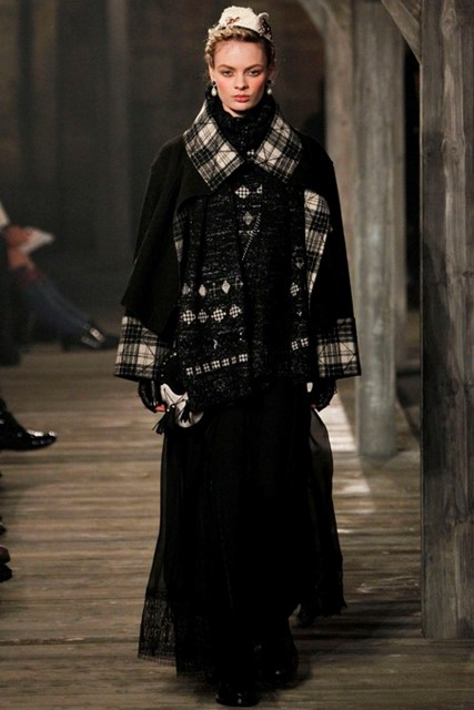 Look 2, Chanel Métiers d'Arts Pre-Fall 2013