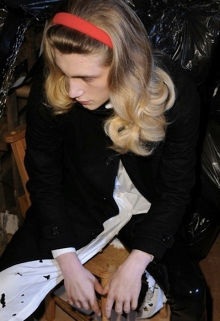CATHERINE DENEUVE BLOW DRY AT MEADHAM KIRCHHOFF FW 2013/14 MEN'S PRESENTATION