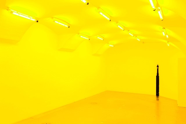 Olafur Eliasson: Room for one color, 1997