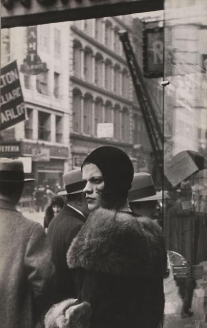 Walker Evans. Girl in Fulton Street. New York