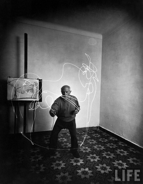 Picassso light drawing