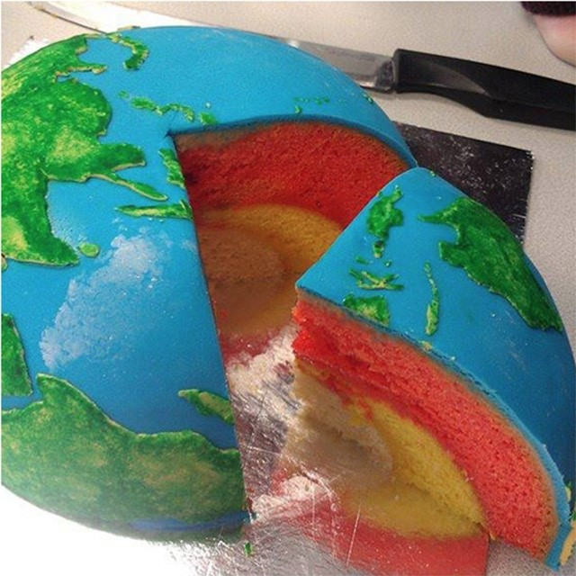 Earth Cake by Cakecrumbs