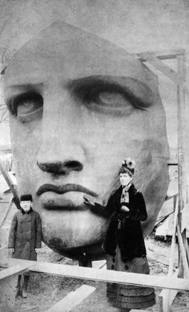 Unpacking the Statue of Liberty, 1885