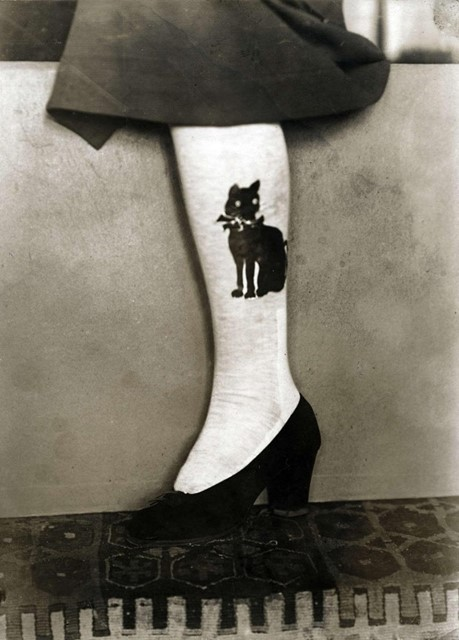 black cat stockings in 1914