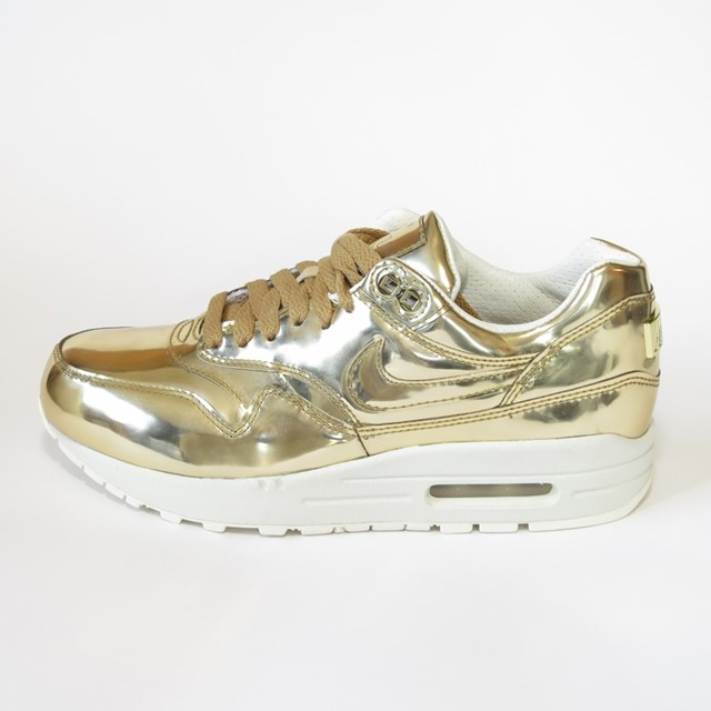 Nike Air Max 1 in liquid gold