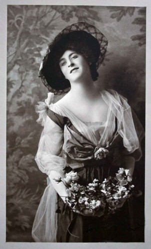 F. Scott Fitzgerald in drag, c.1910
