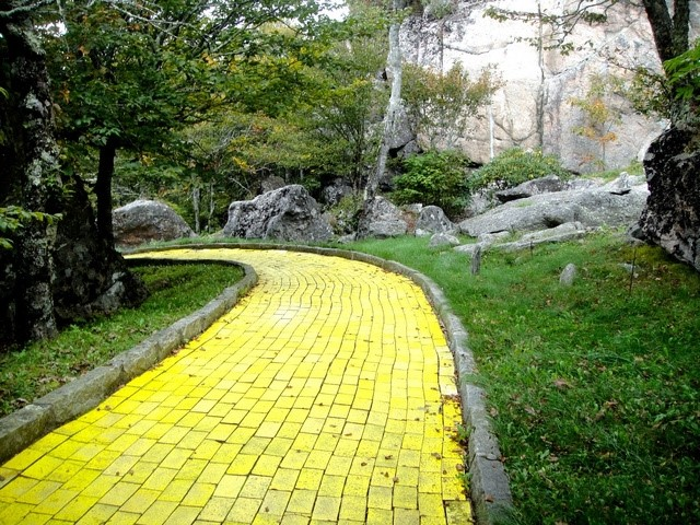 Abandoned Wizard of Oz Theme Park in North Carolina