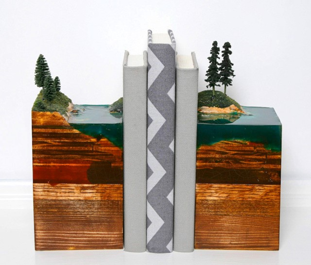 Island Bookends