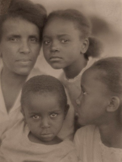 'Portrait of a Family' by Edith R. Wilson (1922)