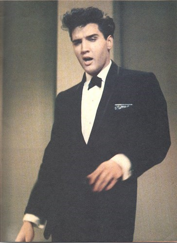 Elvis-on-stage-at-Frank-Sinatra-show-1960-elvis-pr