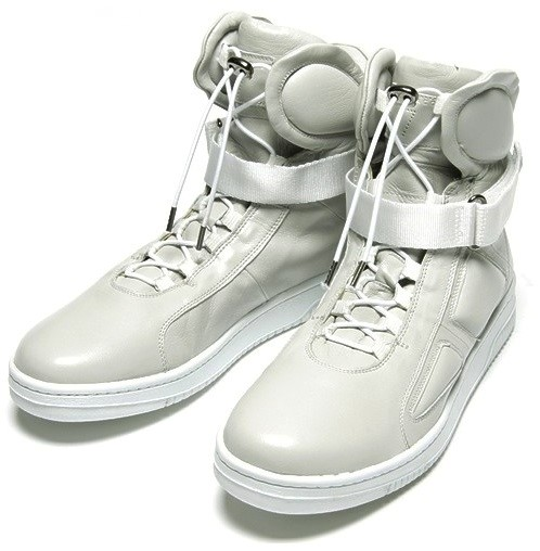MARC JACOBS HI TOPS
