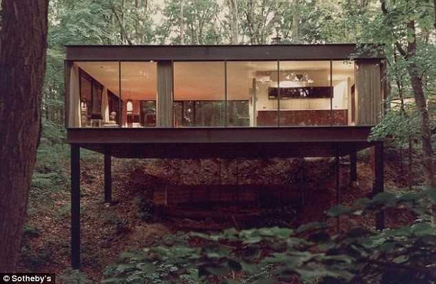 THE HOUSE IN FERRIS BUELLER'S DAY OFF IS FOR SALE